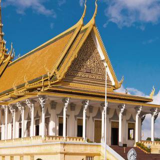 국왕의 거주지, '프놈펜 왕궁'에서 에메랄드 불상 보기