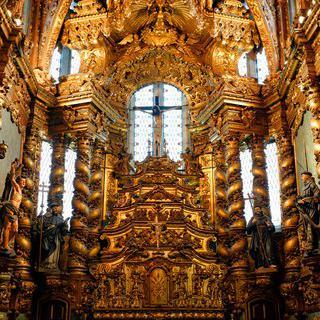 뼈로 채워진 교회 'Igreja e Mosteiro de São Francisco' 방문하기