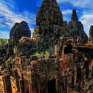 캄보디아의 상징, '앙코르 와트'에서 옛 유적 감상하기