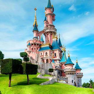 디즈니랜드 파리'에서 세계 유일의 <라따뚜이> 테마 즐기기