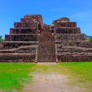 고대 피라미드 유적, 'Cañada de la Virgen'에서 천문대 감상하기