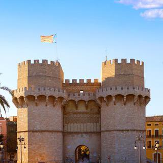 중세풍 전망대, 'Torres de Serranos'에서 발렌시아 전경 감상하기