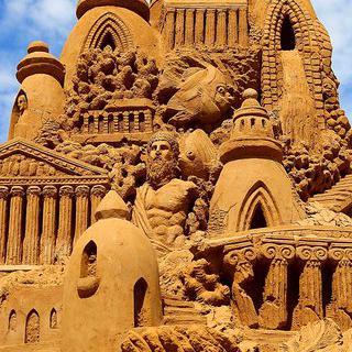 모래로 만든 도시, 'Sand City Hurghada'에서 조각품 감상하기