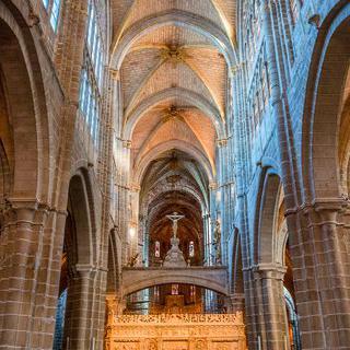 웅장한 중세 대성당, 'Catedral de Ávila'에서 명화 감상하기