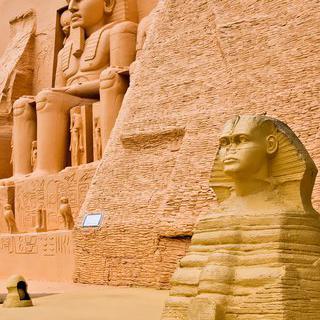 이집트의 축소판, 'Mini Egypt'에서 스핑크스와 사진 찍기