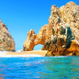 태평양의 땅끝 바위, '엘 아르코 데 카보 산 루카스' 감상하기