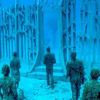 바닷속 전시회, 'Museo Atlántico'에서 수중 조각상 감상하기
