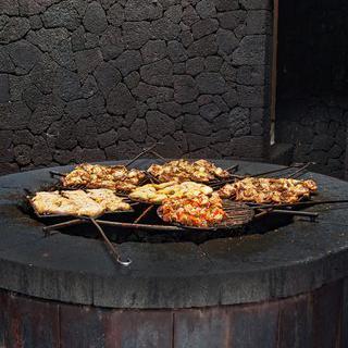 활화산의 뜨거운 숨결, '티만파야 국립 공원'에서 바베큐 먹기