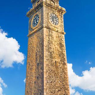갈레의 랜드마크, '골 포트 시계탑'에서 여행 사진 찍기