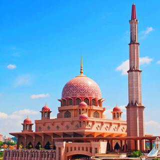 핑크빛 화강암 모스크, '푸트라 이슬람사원' 감상하기
